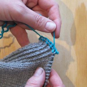 Knitting Straight Stitch On Circular Needles : Ambah - Tutorial: Three Needle Bind Off (3NBO)