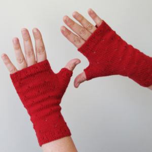 mirri mitts red